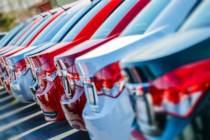 01132017_new_cars_iStock