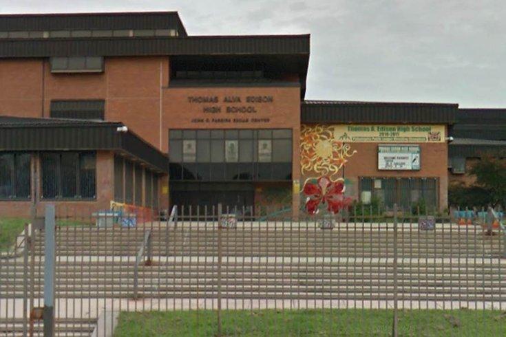 philly u0026 39 s edison high school on lockdown following report