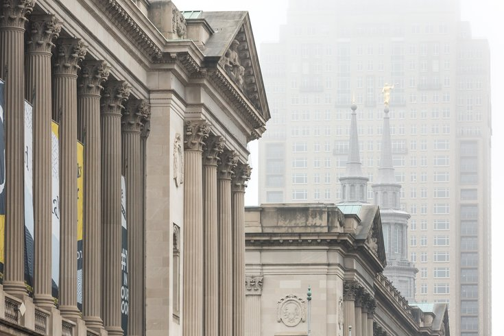 Stock_Carroll - Fog in Center City, Free Library of Philadelphia, Mormon Temple