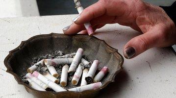03082015_smoking_cigarettes_AP