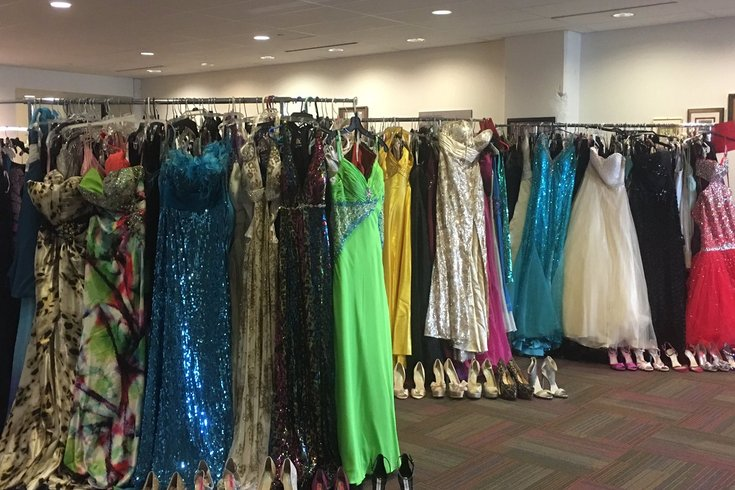 School District of Philadelphia giving away free prom dresses ...