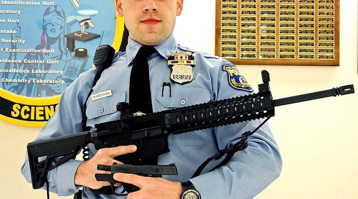 04092018_Philly_police_AR15