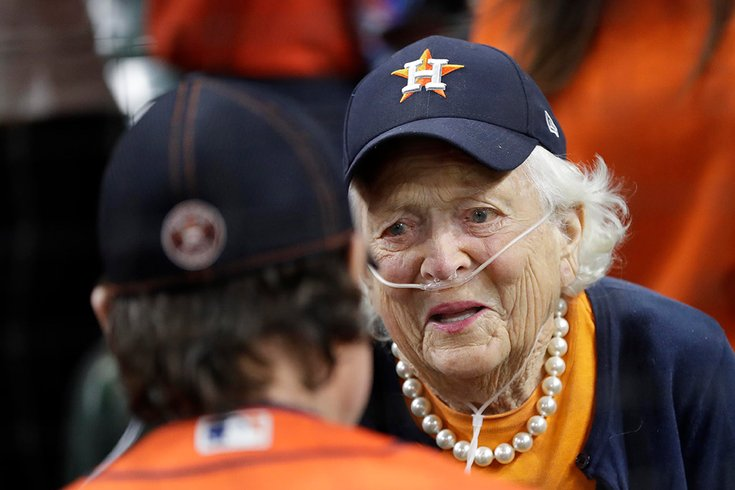 Houston leads the way as the nation mourns Barbara Bush