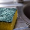 05092017_dirty_kitchen_sponge_istock