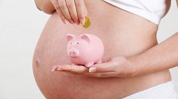 05092017_pregnancy_finances_iStock