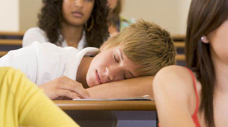 05242016_teens_sleeping_iStock