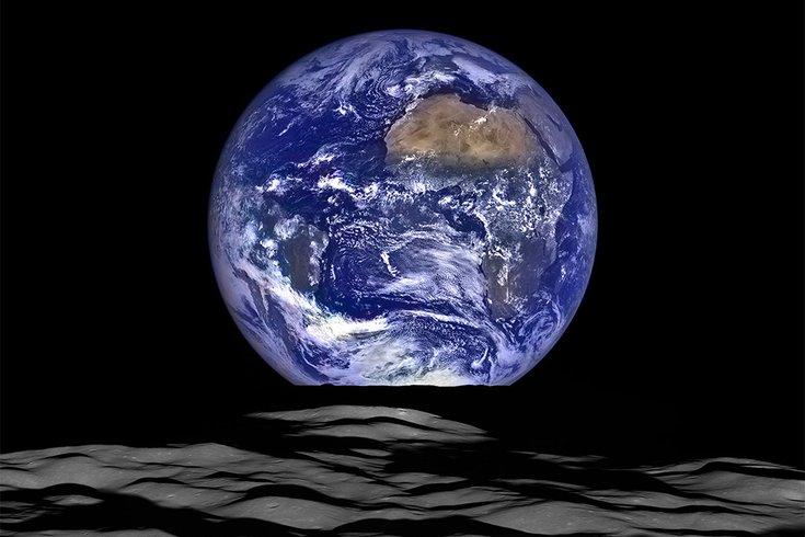 06122017_earth_from_LRO_NASA