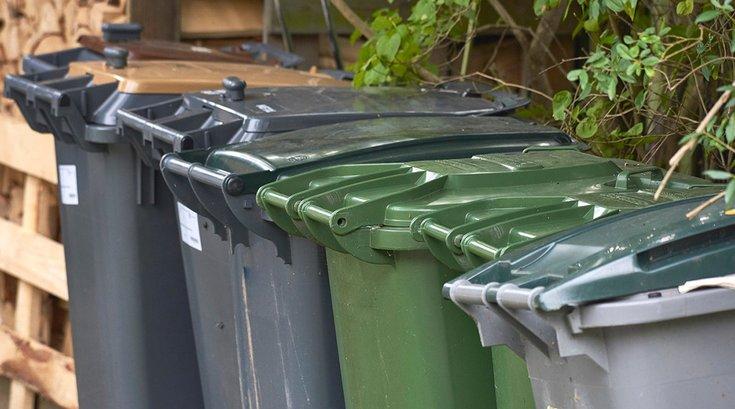 06302017_Trash_receptacles_iStock