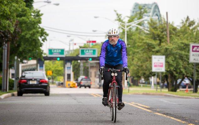 06_051117_BikeCommuting_Carroll.jpg