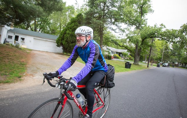 07_051117_BikeCommuting_Carroll.jpg