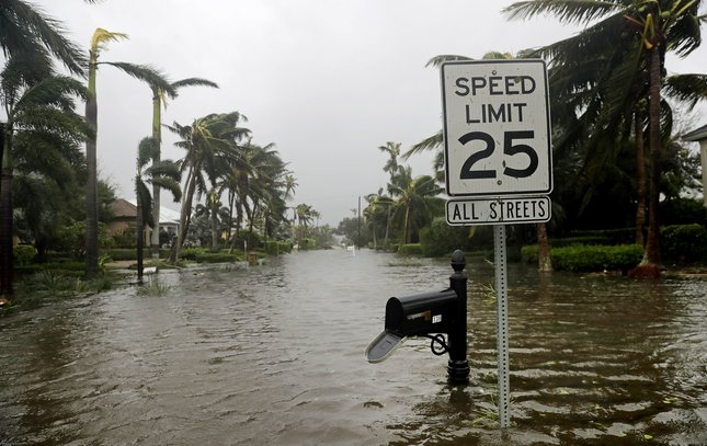 09112017_Irma_Florida7_AP.jpg