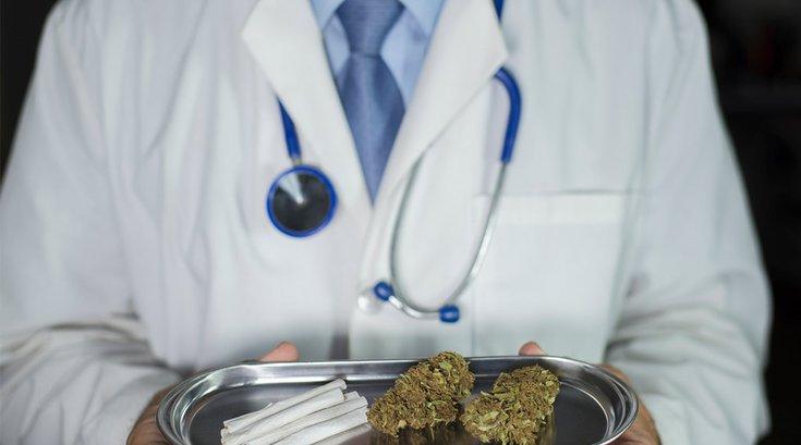 09252017_Medical_Marijuana_Doctor_iStock