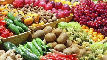 10272015_fruits_veggies_iStock