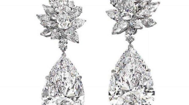 11152016_diamond_earrings_christies