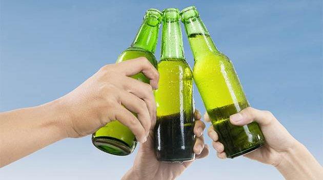 11212016_beer_toast_iStock