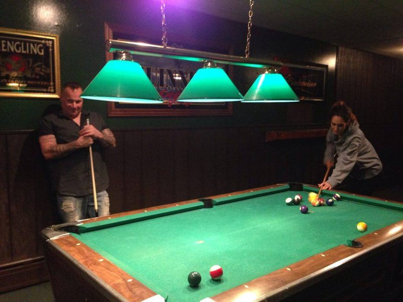 pub pool game free