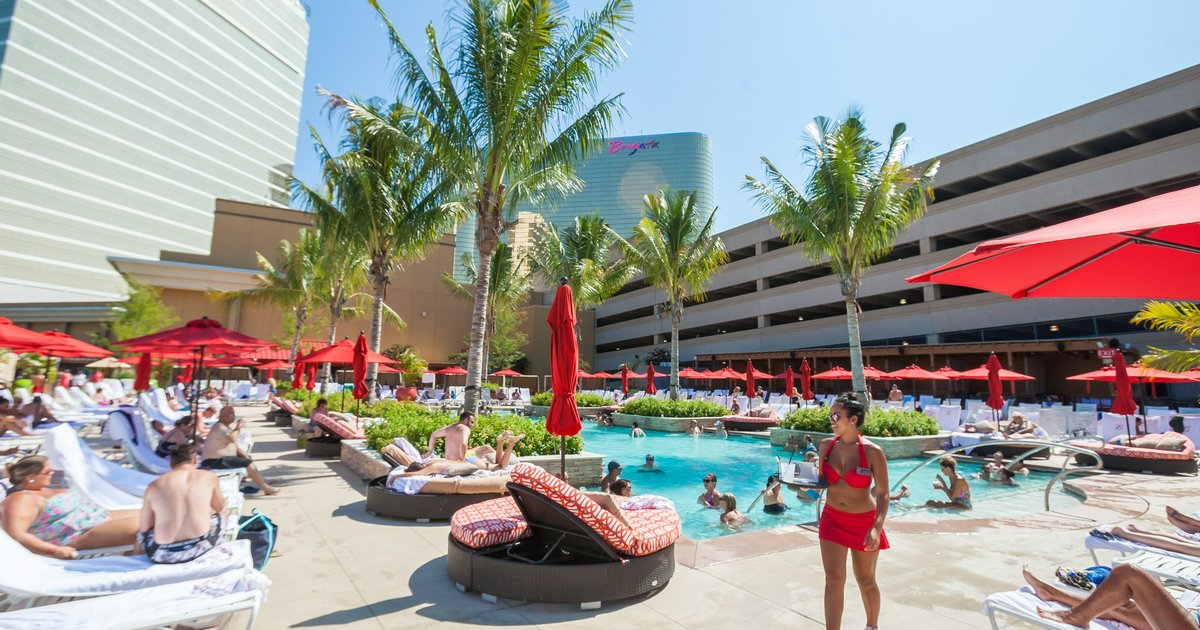 Gallery atlantic city casinos boardwalk vs marina for Borgata outdoor pool