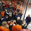042016_Flyers-Laughton_AP