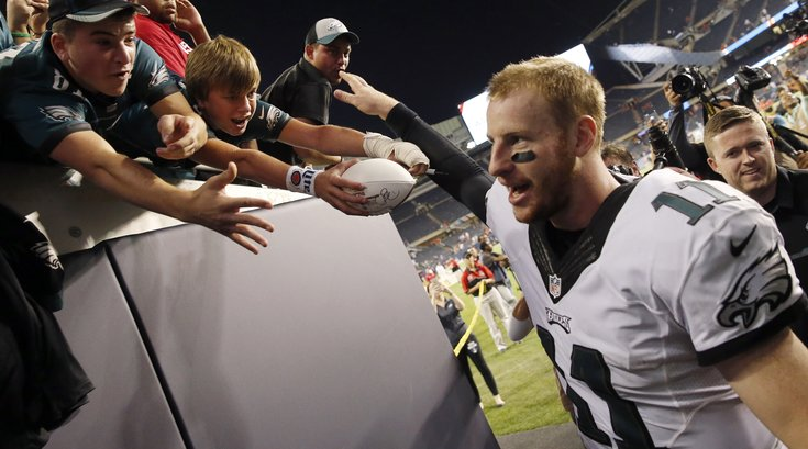 092016_Eagles-Wentz_AP