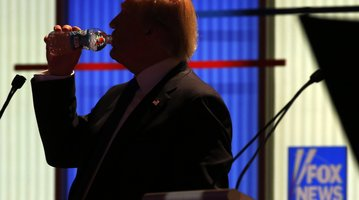 Trump drinks water