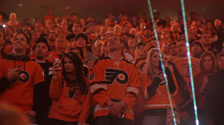 041916_Flyers-Fans-File_AP
