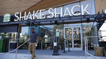 101916_ShakeShack_AP
