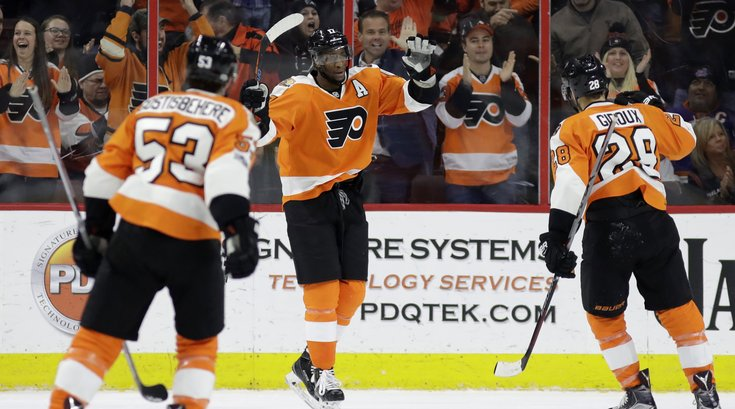 040817_Flyers-Simmonds_AP
