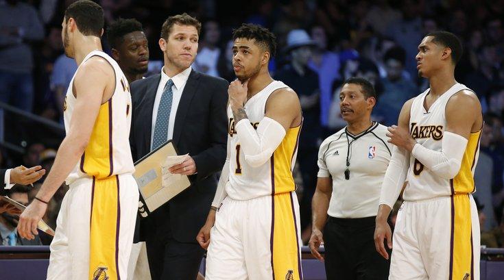 031616_Lakers_AP