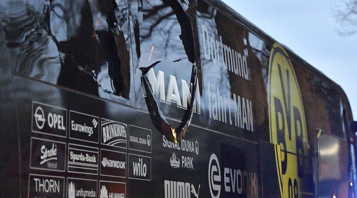 041117_Dortmund-Bus_AP