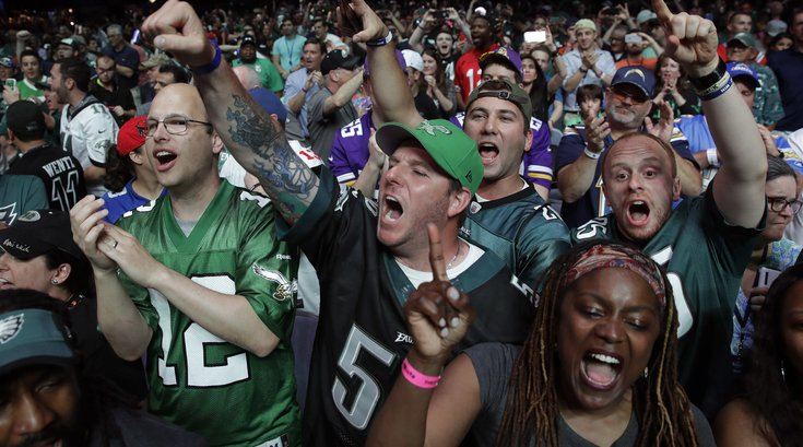 042917_Eagles-Fans_AP