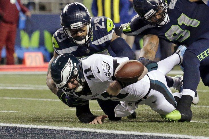 120417_Eagles-Seahawks_AP