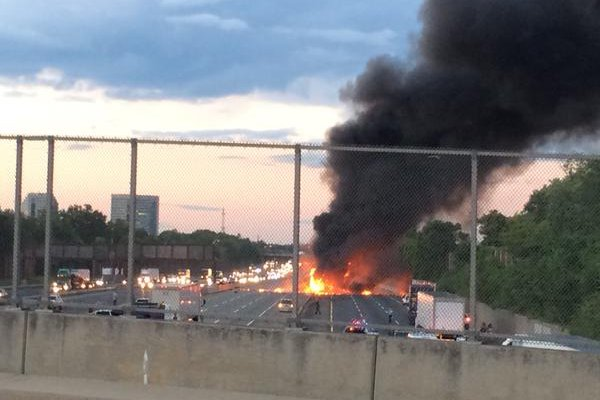 fiery crash occurs between tractor trailers on n j turnpike phillyvoice. Black Bedroom Furniture Sets. Home Design Ideas