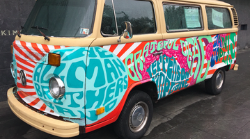 Grateful Dead bus outside National Museum of American jewish Heritage
