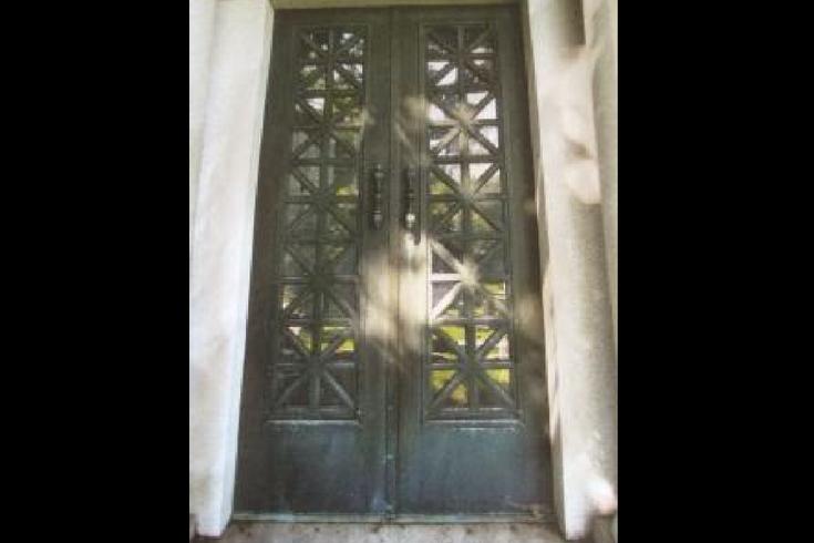 Mausoleum Doors Laurel Hill Cemetery & Police: Two mausoleum doors stolen from Philly cemetery | PhillyVoice Pezcame.Com