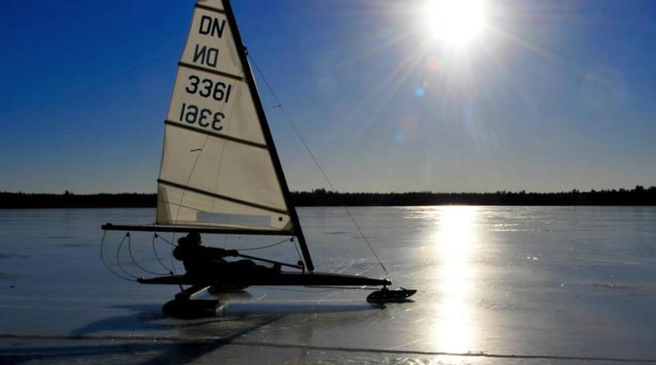 02.28.15_iceboating