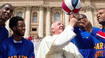 050615_Pope-Globetrotters