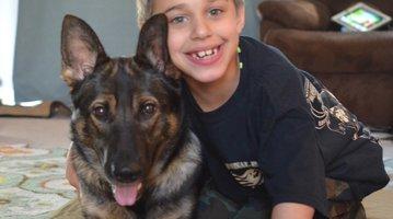 Shane Popiny and Service Dog Joei