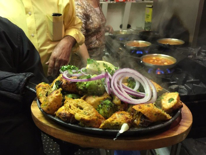 5 s j restaurants that don 39 t look like much but have for Cuisine 800 wow