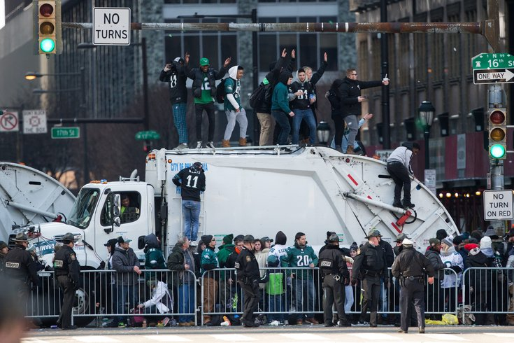 Vikings Foundation sends gift of confetti to Eagles fans who donated