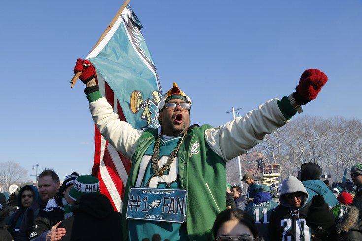 Eagles make offer to undecided DE Long