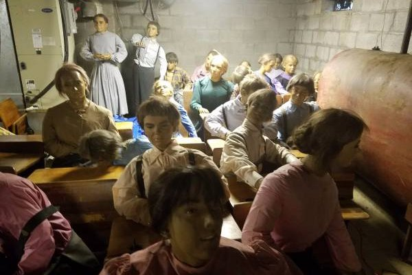 Craigslist Com Philadelphia >> Up for sale: 28 wax figures of Amish children on Philly ...