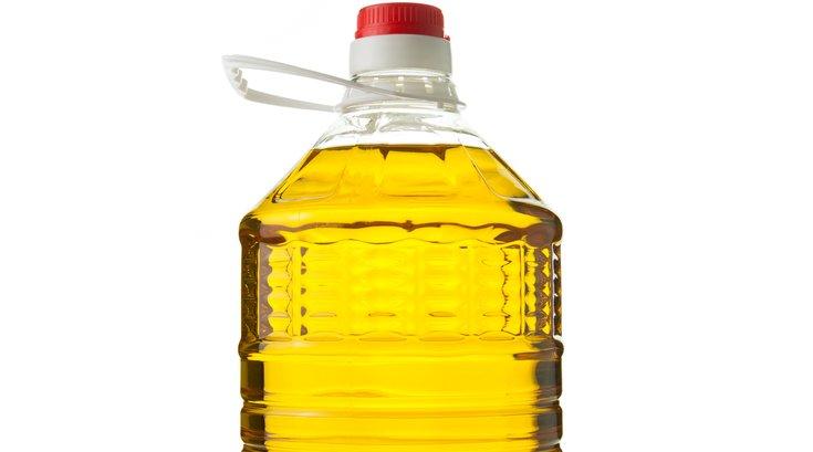 Canola oil - iStock