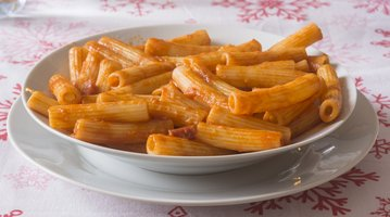 plate of pasta amatriciana
