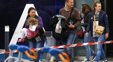 APTOPIX France Airport Shooting