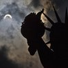 APTOPIX Eclipse New York